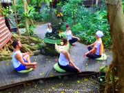 Yoga travel Java Bali - meditation © boekingskantoor.nl C&C WINGS